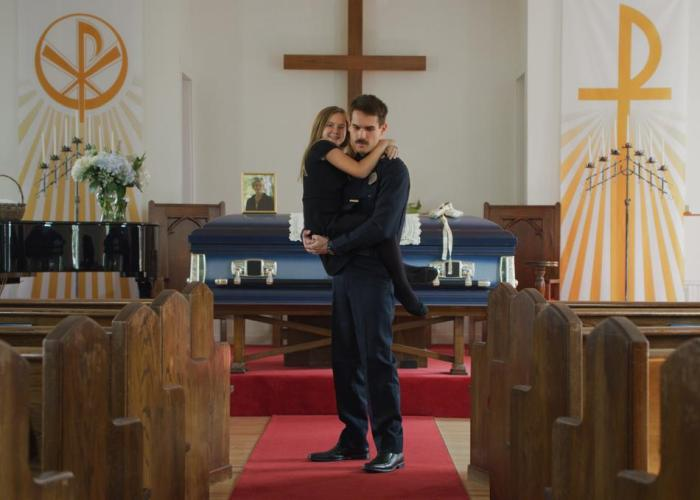 "REVIEW: ""THUNDER ROAD"" is a Beautiful and Powerful Directorial Debut"